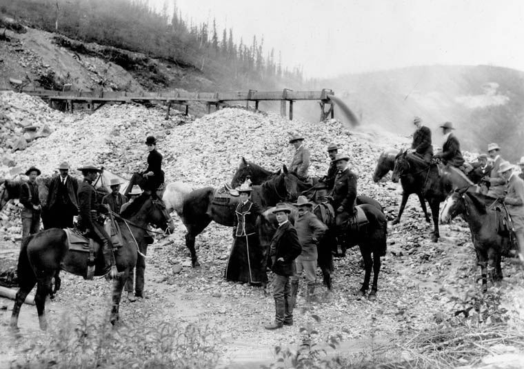 The Earl of Minto visiting J.M. McGillivray's mine, in the Yukon. Date: 1900.  Photographer: G. G. Murdock. Reference: Library and Archives Canada, PA-022504.