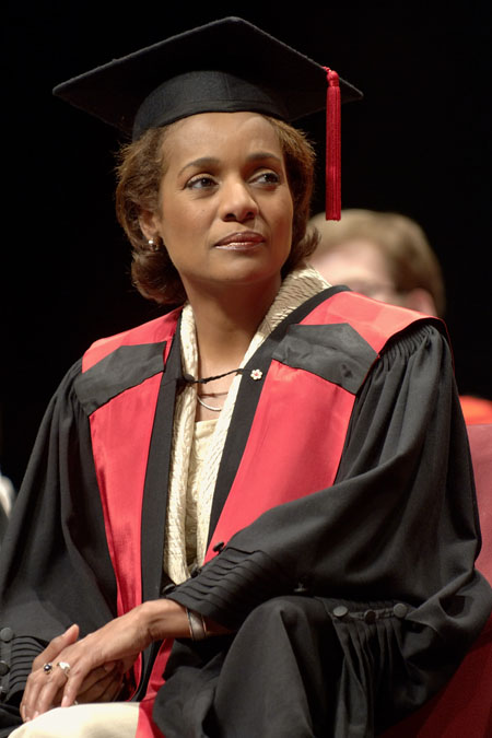 Her Excellency the Right Honourable Michaëlle Jean, Governor General of Canada, receives an honorary doctorate from the Faculty of Arts of the University of Ottawa on June 5, 2006 at the National Arts Centre. The Governor General delivered the keynote address during the spring convocation ceremony.  It was the first honorary doctorate conferred upon the Governor General.