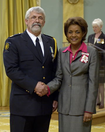 <p>Her Excellency the Right Honourable Michaëlle Jean, Governor General of Canada, presented 27 Canadians with the newly created Peace Officer Exemplary Service Medal during the inaugural presentation ceremony on Friday, May 12, 2006, at Rideau Hall.</p>