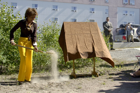 On June 20, 2006, Her Excellency the Right Honourable Michaëlle Jean, Governor General of Canada, took part in a ceremonial sod turning for the Yellowknife Homelessness Coalition Transitional Home, the City of Yellowknife's future homeless shelter. Her Excellency and Mayor Gordon Van Tighem offered remarks.  The Governor General's five-day visit to the Northwest Territories began in Yellowknife with stops in Fort Simpson and in the Nahanni National Park Reserve of Canada.  Meeting with the Aboriginal community, youth and women was at the core of the Governor General's visit to the Northwest Territories. This was her 9th territorial or provincial visit since the beginning of her mandate.