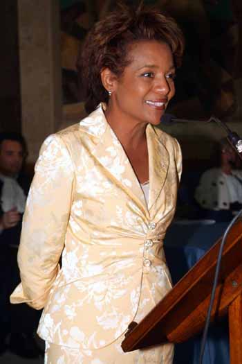 Governor General Michaëlle Jean delivered remarks on the theme of culture as a vehicle of bringing people and new ideas together during a ceremony at the Università per Stranieri in Perugia, Italy on July 21, 2006, during which she received an honorary degree in international relations. Madame Jean is a former student of the university.  The Governor General was invited to attend the 80th anniversary celebrations of the university.