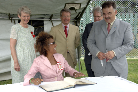 <p>In Corner Brook's Jubilee Field, the Governor General and Their Honours met with residents during a garden party to celebrate the 50th anniversary of the city. Their Excellencies had the opportunity to meet His Worship Charles Pender, Mayor of Corner Brook.</p>