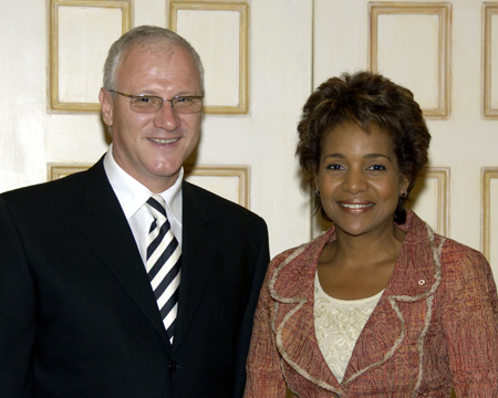 Her Excellency the Right Honourable Michaëlle Jean received on Tuesday, September 19, 2006, at the Governor General's residence in Quebec City, the credentials of His Excellency Besnik Konçi, Ambassador Designate of the Republic of Albania.