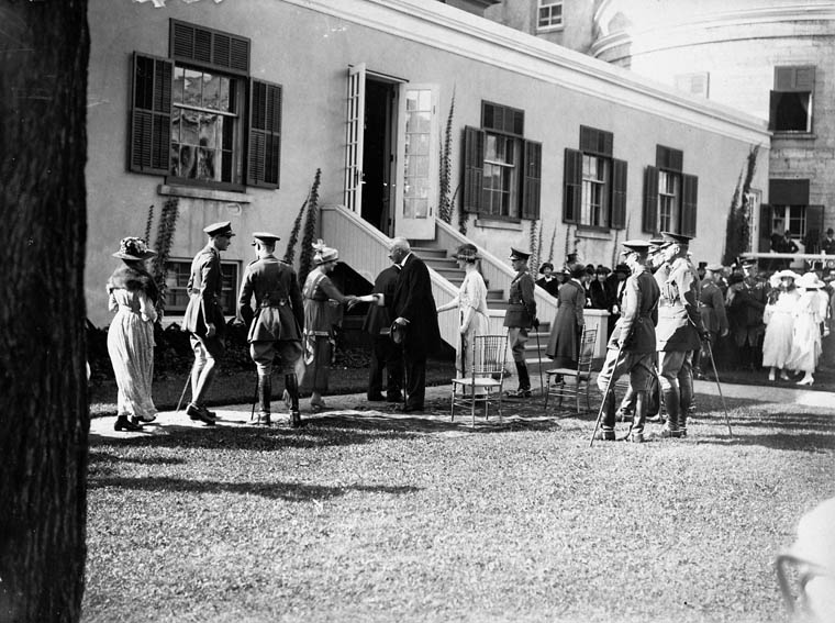 The Duke of Devonshire hosts a garden party at Rideau Hall in honour of HRH the Prince of Wales.  Date: August 1919. Photographer: Royal Tour of 1919. Reference: Library and Archives Canada, PA-022358.