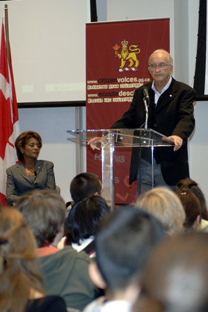 <p>On September 27, 2006, on the first anniversary of the Governor General of Canada's installation, Their Excellencies the Right Honourable Michaëlle Jean and Mr. Jean-Daniel Lafond launched a new online place for dialogue: Citizen Voices. Forums, blogs and live chats will enable Internet users to respond to, and interact with, Their Excellencies and other citizens across the country on issues that concern them and ideas and initiatives that are important to them.</p>