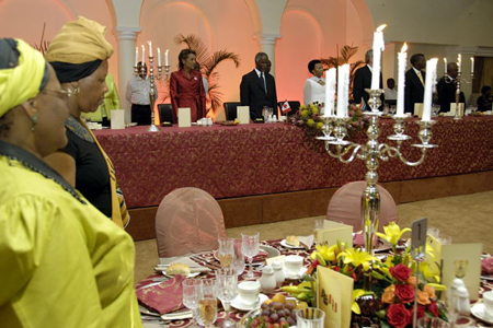 Official dinner hosted by the president of the Republic of South Africa (Pretoria)