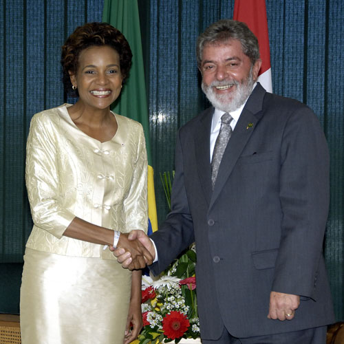 Her Excellency the Right Honourable Michaëlle Jean, Governor General of Canada, meets the President of the Federative Republic of Brazil, Luiz Inácio Lula da Silva.