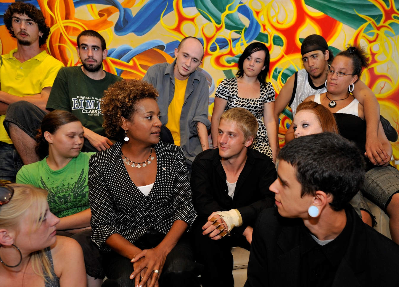 Governor General Michaëlle Jean visits the    Youth QUEST Central (Moncton, New Brunswick). Date: August 14, 2009. Photographer: Sgt Serge Gouin, Rideau Hall. Reference: GG2009-0339-010.