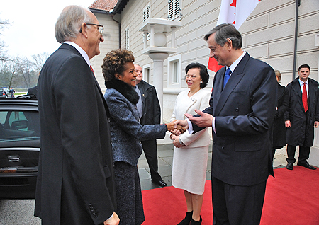 Their Excellencies met with His Excellency Dr. Danilo Türk, President of the Republic of Slovenia, and Mrs. Barbara Miklič Türk to discuss relations between Canada and the Republic of Slovenia.