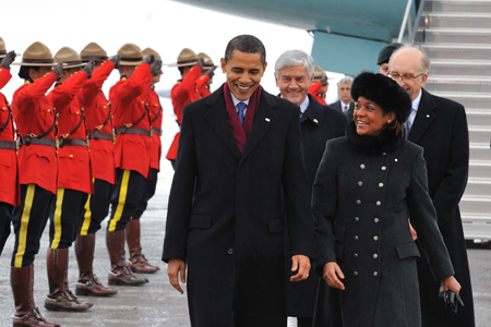 Their Excellencies the Right Honourable Michaëlle Jean, Governor General of Canada, and Jean-Daniel Lafond, welcomed The Honourable Barack H. Obama, President of the United States of America, on Thursday, February 19, 2009, at the Ottawa International Airport.