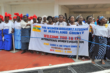 Many Liberian women were at the airport to welcome Her Excelllency.
