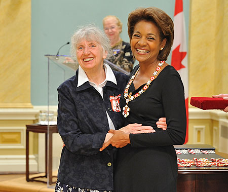 Her Excellency the Right Honourable Michaëlle Jean, Governor General of Canada, presented the insignia of member of the Order of Canada to Sister Christine Leyser, C.M. For more than 25 years, Christine Leyser has served as a pillar of her community and a beacon of hope for those marginalized in our society.
