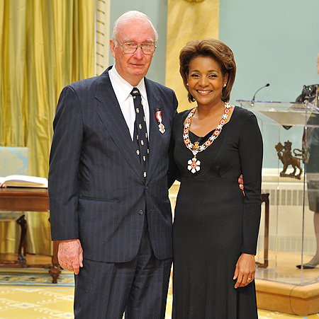Her Excellency the Right Honourable Michaëlle Jean, Governor General of Canada, presented the insignia of member of the Order of Canada to John S. Speakman, C.M. A caring and dedicated professional, John Speakman has been at the forefront of providing eye care services in remote northern communities.