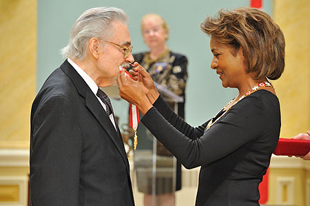 Her Excellency the Right Honourable Michaëlle Jean, Governor General of Canada, presented the insignia of officer of the Order of Canada to Steven Staryk, O.C. Steven Staryk is regarded as one of Canada's great violinists. He has been concertmaster with four world-famous orchestras, is one of the most-recorded Canadian classical musicians, and was a prolific performer in both North America and Europe for over 50 years.