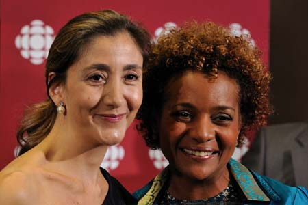 As honorary president of Reporters Without Borders Canada, Her Excellency paid tribute to Ingrid Betancourt and presented her with the Reporters Without Borders – Radio-Canada International Prize for Women of Courage.
