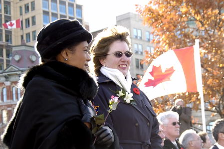 Her Excellency the Right Honourable Michaëlle Jean, Governor General and Commander-in-Chief of Canada, and Ms.  Claire Léger, Silver Cross Mother, during the National Remembrance Day Ceremony at the National War Memorial in Ottawa, on November 11, 2005.