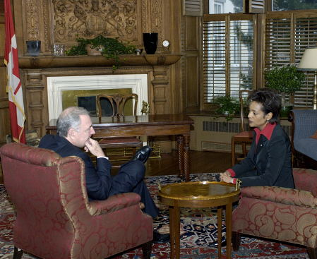 Her Excellency the Right Honourable Michaëlle Jean, Governor General of Canada, meets with the Right Honourable Paul Martin, Prime Minister of Canada, on Tuesday, November 29, 2005. During their discussion, the Prime Minister asked the Governor General to dissolve Parliament, to which she agreed.
