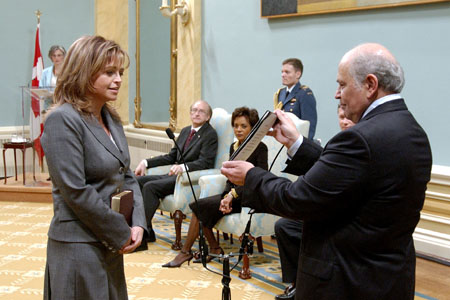 The Honourable Josée Verner being sworn in as Minister of International Cooperation and Minister for La Francophonie and Official Languages, at Rideau Hall on February 6, 2006.