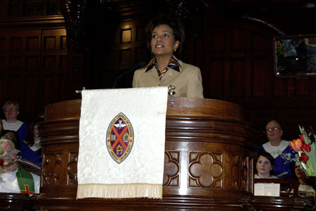 Their Excellencies the Right Honourable Michaëlle Jean, Governor General of Canada, and Mr. Jean Daniel Lafond, participate in a special service at St. James United Church, as part of Black History Month, during their official visit to Montreal, on February 12, 2006.