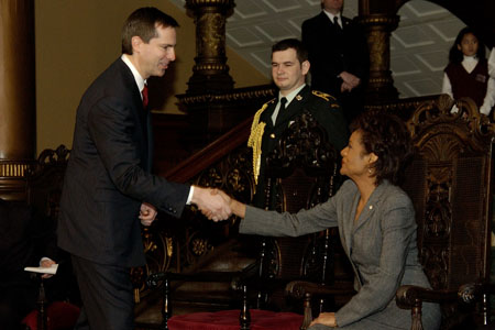 Her Excellency the Right Honourable Michaëlle Jean, Governor General of Canada, is greeted by the Premier of Ontario, the Honourable Dalton McGuinty, during the welcoming ceremony at the Ontario Legislative Building at Queen's Park, Toronto, on February 20, 2006.