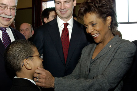 Her Excellency the Right Honourable Michaëlle Jean, Governor General of Canada, chats with Kenroy Foster-Linton of the Lawrence Heights Middle School, on February 20, 2006, in Toronto.