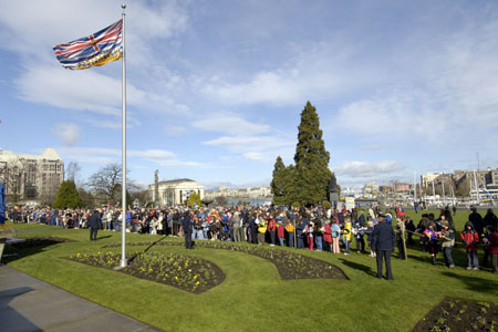 "During the official welcoming ceremony by the Province of British Columbia on March 7, 2006, the Governor General delivered an address to British Columbians and spoke of ""the opportunity"" she will have to ""meet with gardeners and politicians, with social activists and aboriginal youth, as well as young immigrants, and also with members of the armed forces and ordinary heroes."" She also reiterated that she will ""take the stories and ideas you share with me, and in turn, share them with the rest of the country."""