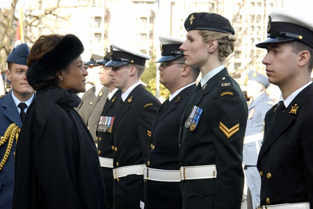 As part of the official welcoming ceremony at the Victoria Legislature on March 7, 2006, the Governor General reviewed a guard of honour comprised of 100 Canadian Forces members from Maritime Forces Pacific.