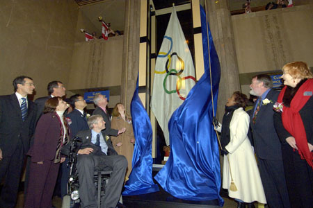 On March 9, 2006, the Governor General paid a Civic Call on the City of Vancouver. The Governor General was greeted by His Worship Sam Sullivan, Mayor of Vancouver, and an honour guard of police and fire services personnel. The Governor General and the Mayor of Vancouver delivered remarks. <br/>