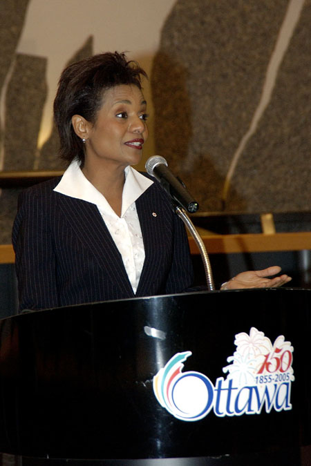 Her Excellency the Right Honourable Michaëlle Jean, Governor General of Canada, speaks during her Civic Call to the City of Ottawa on December 1 , 2005, at City Hall: