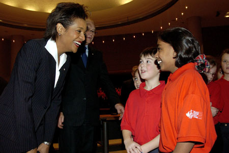 Her Excellency the Right Honourable Michaëlle Jean, Governor General of Canada, talks with children during her Civic Call to the City of Ottawa on December 1 , 2005, at City Hall.