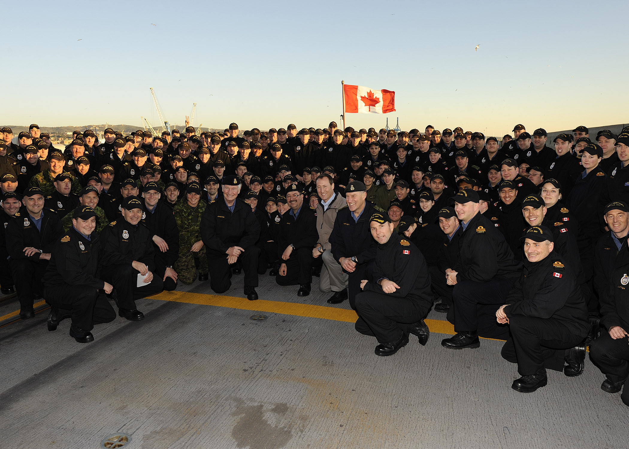 The Governor General and Commander-in-Chief of Canada visited, from December 22 to 25, 2011, Canadian troops and civilians deployed in Italy and Afghanistan.