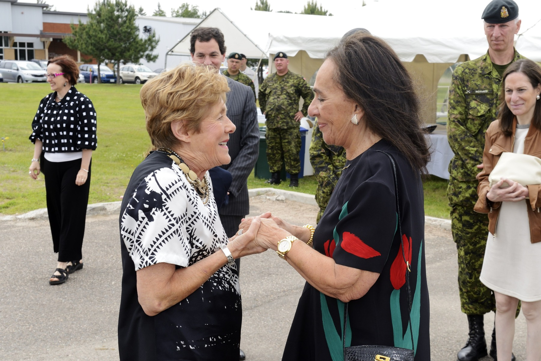 Upon arrival at Garrison Petawawa, Her Excellency Sharon Johnston was greeted by Mrs. Sandra Rotman (right), spouse of the late Joseph Rotman, Chair of the Canada Council for the Arts.