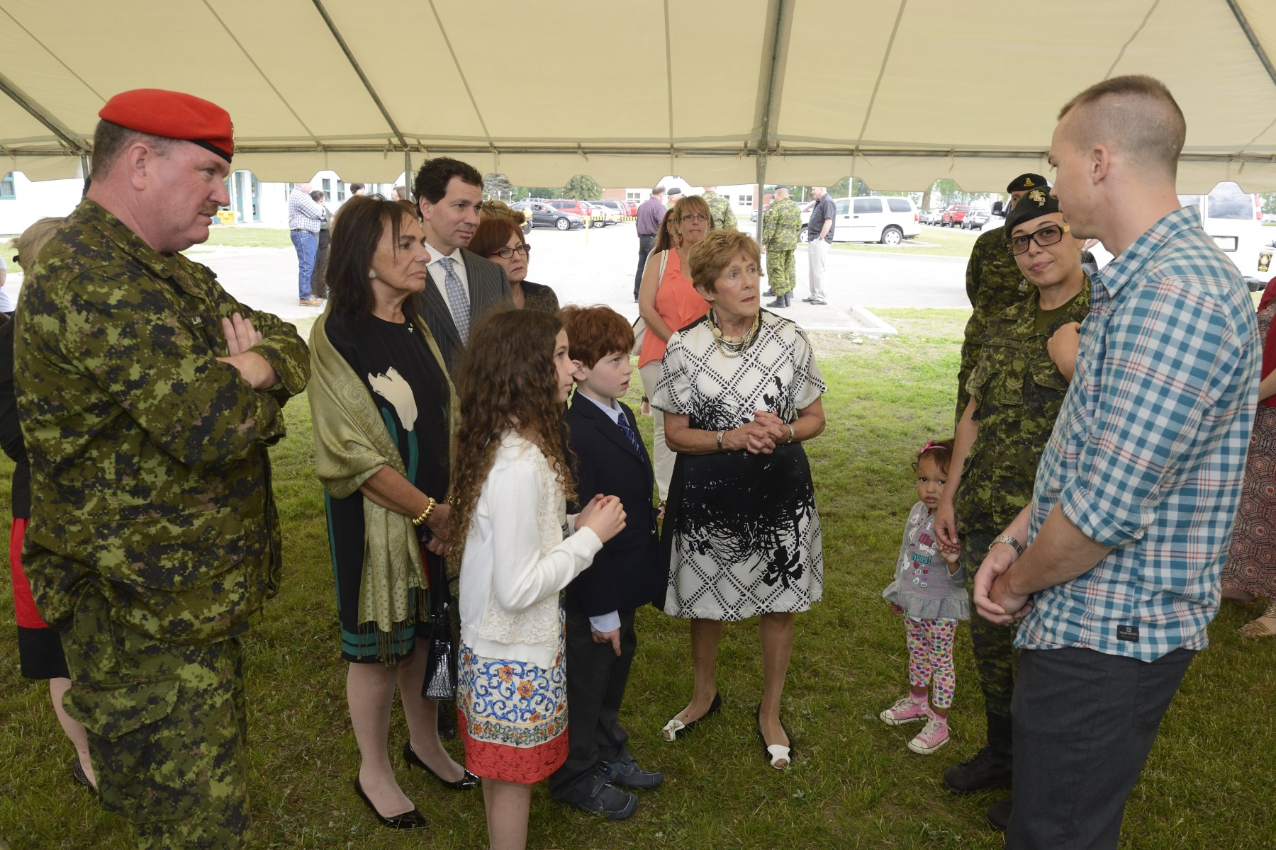 Following the unveiling, Mrs. Johnston met with members from the Joint Personnel Support Unit Eastern Ontario Regional Headquarters and the Integrated Personnel Support Centre of Garrison Petawawa.