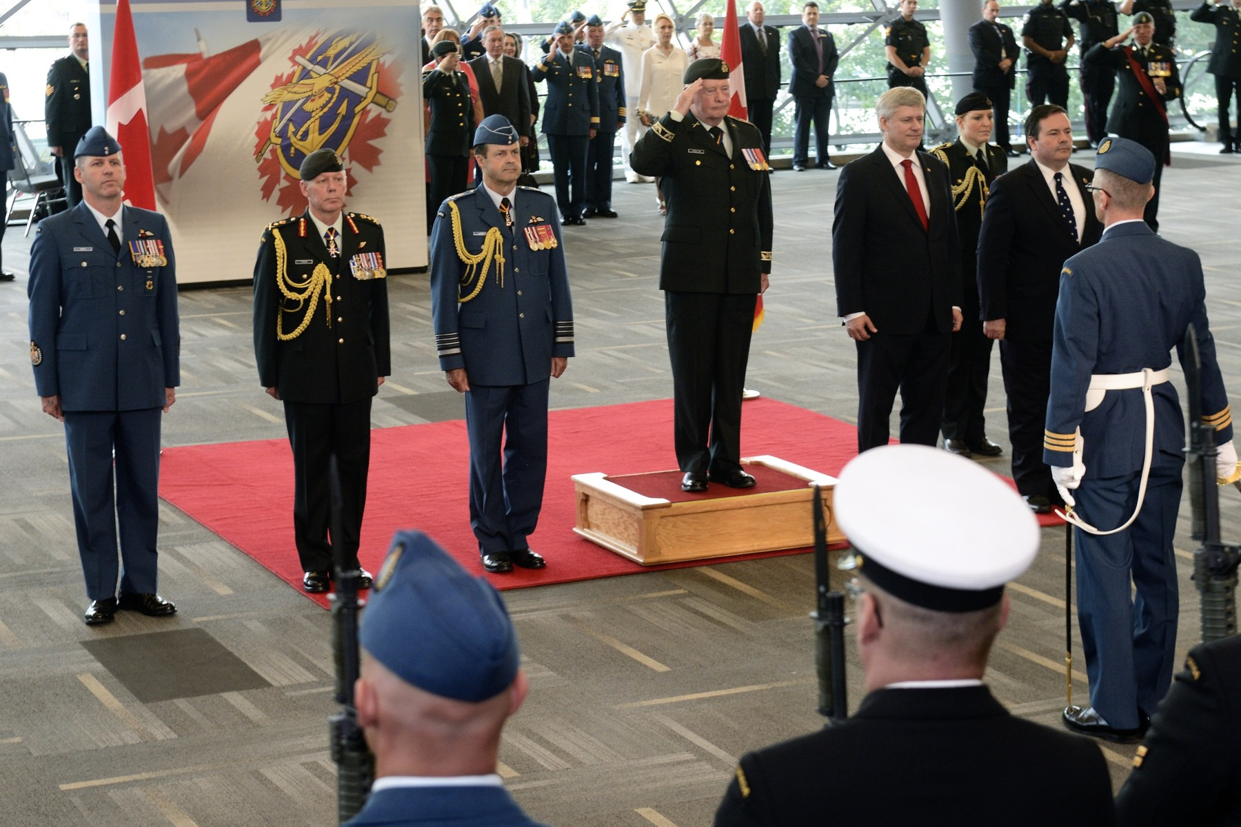 The Governor General received full military honours.