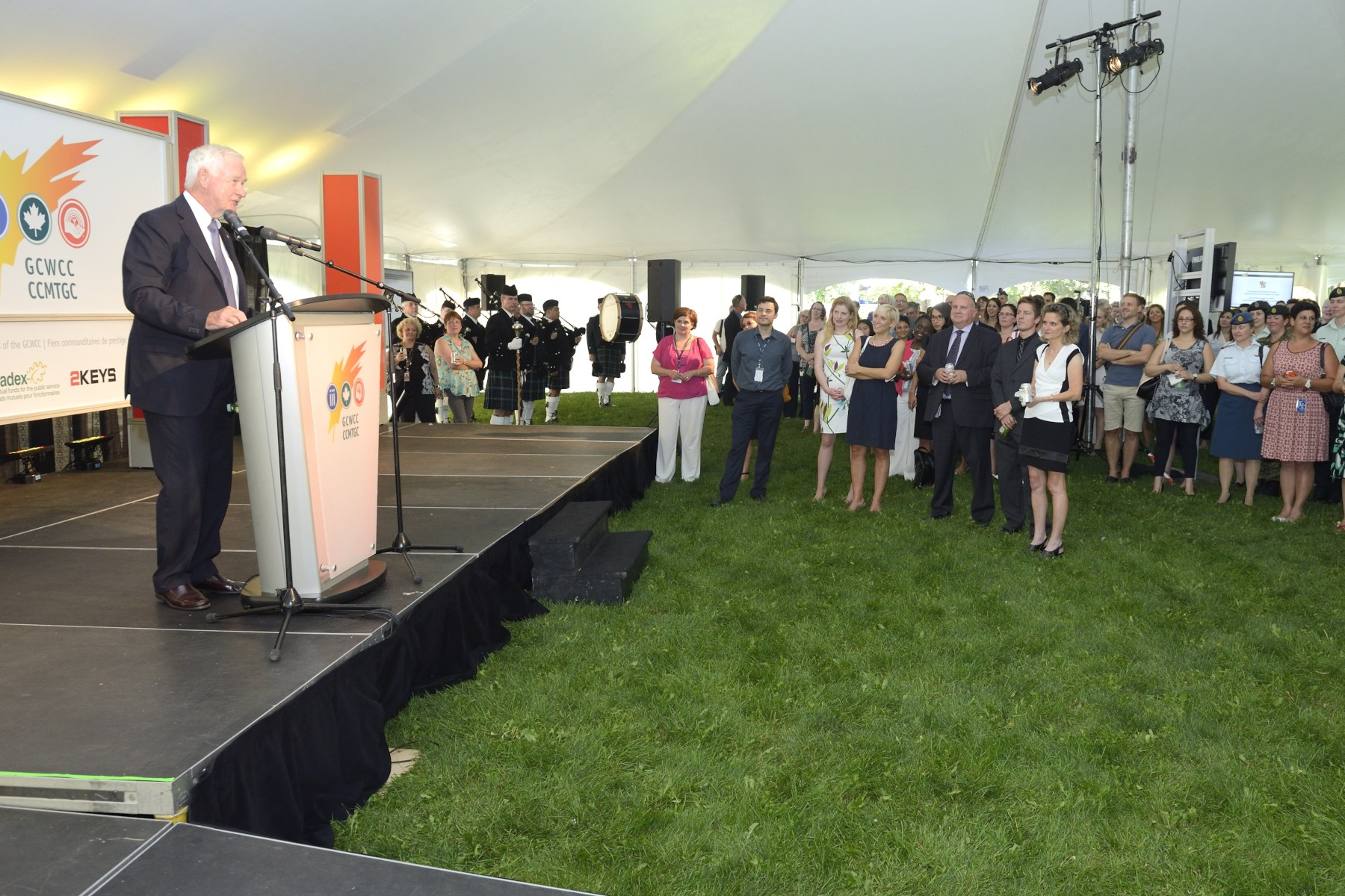 As patron of United Way Canada, His Excellency hosted the launch of the National Government of Canada Workplace Charitable Campaign for 2015.