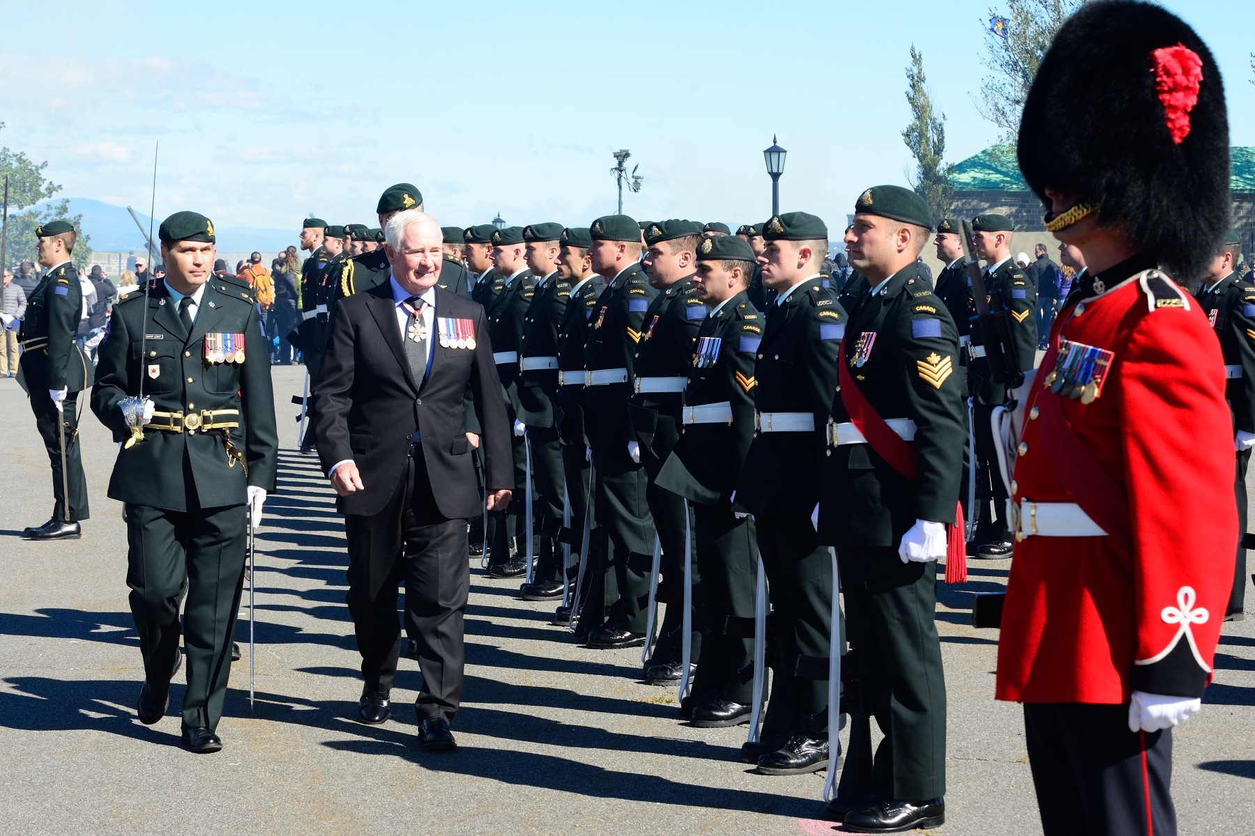The Governor General reviewed the guard of honour.