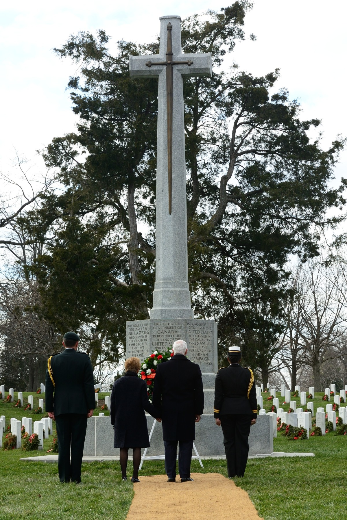 The Canadian Cross of Sacrifice honours citizens of the U.S. who served in the Canadian Armed Forces and gave their lives in World Wars I and II, and the Korean War.
