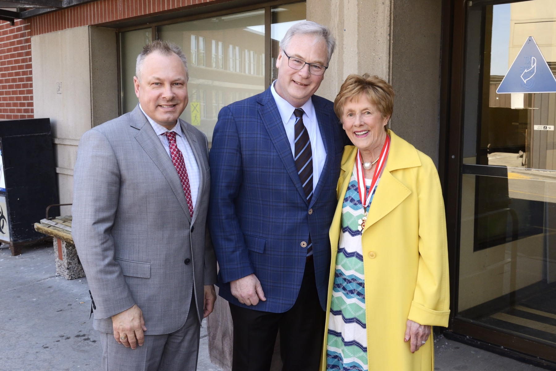 She was greeted by Mr. Tim Kluke, President and CEO of the Ottawa Hospital Foundation (left) and Dr. Jack Kitts, President and CEO of the Ottawa Hospital (right).