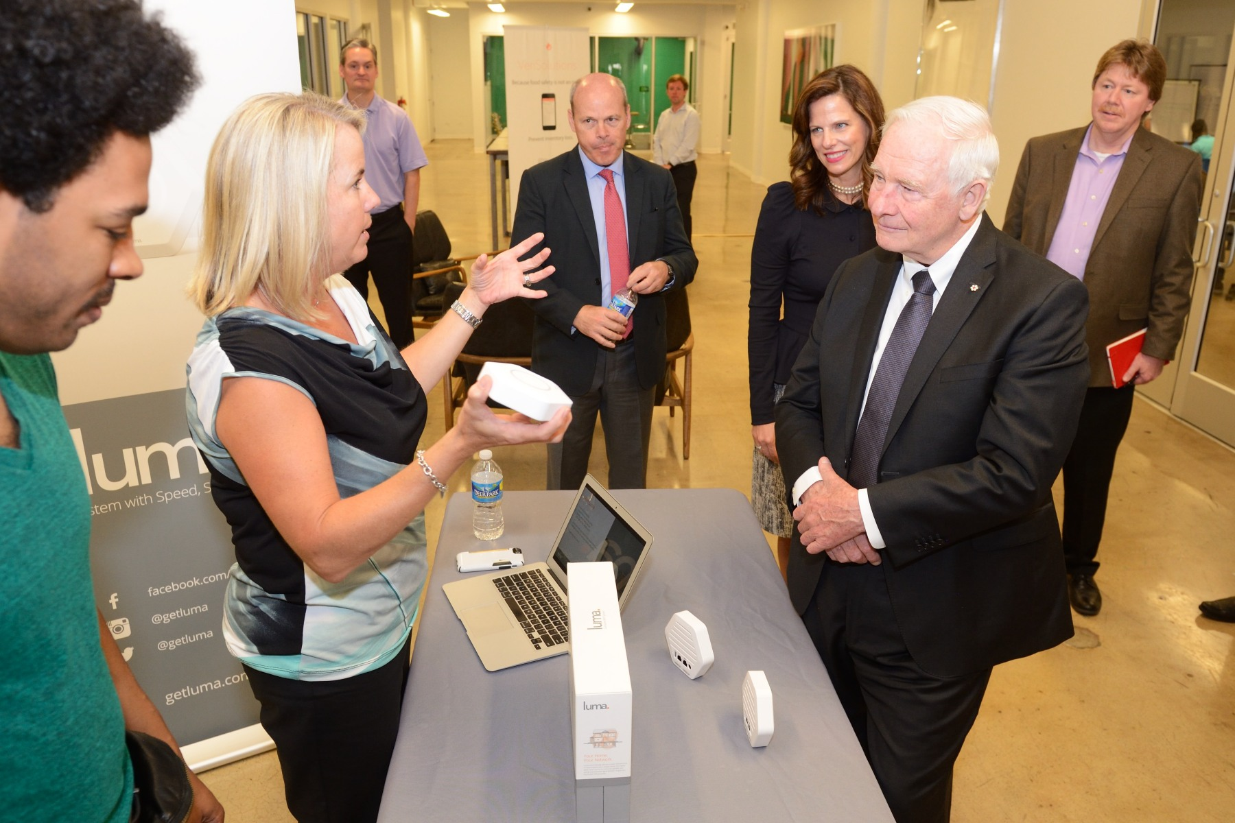 His Excellency toured the site and had the opportunity to learn about three successful start-ups: Luma, Stackfolio and Vericlean, each of which presented him with a 90-second pitch on their technology and success.