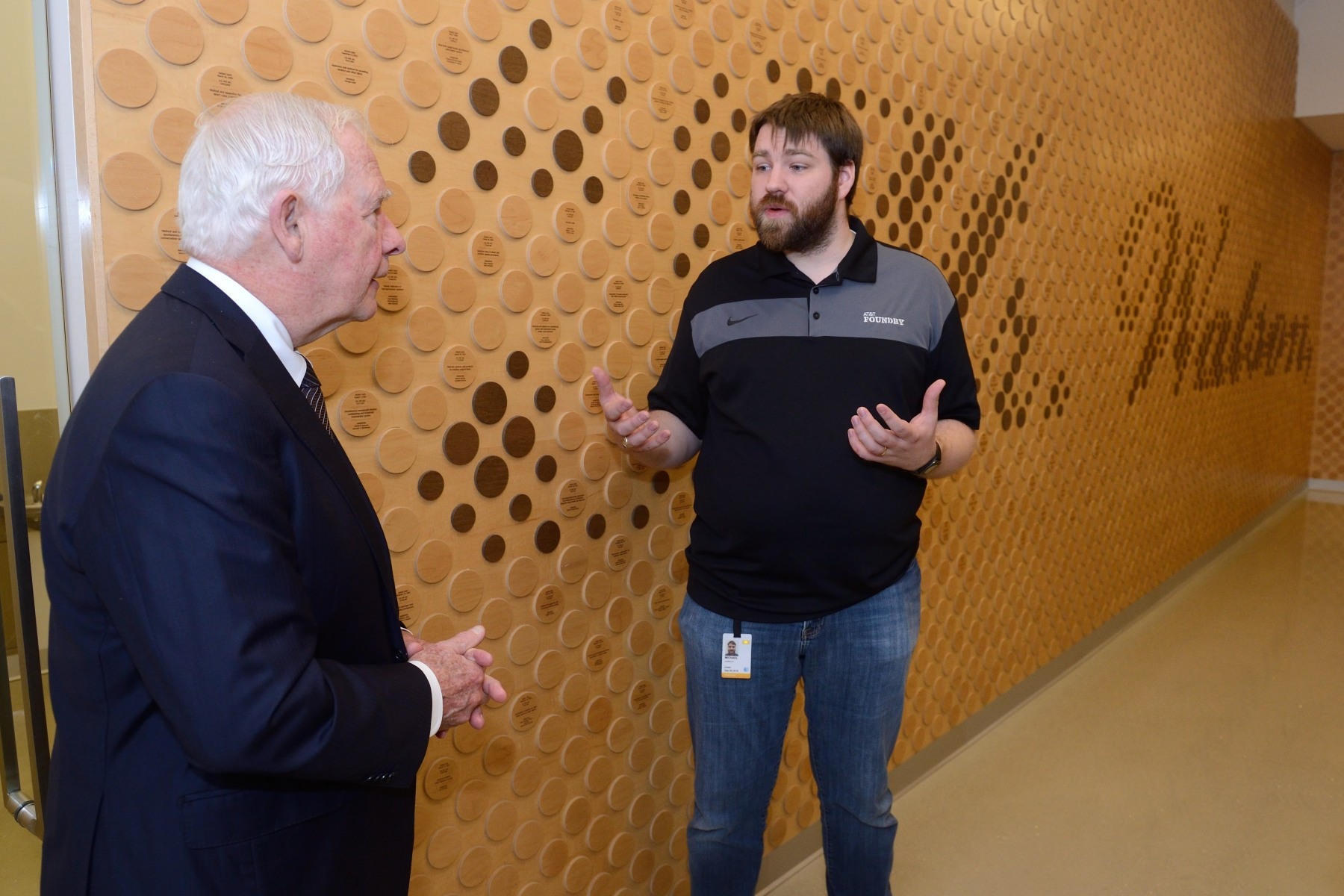 The Governor General then proceeded to the AT&T Foundry Innovation Center. The AT&T Foundry™ innovation centres are fast-paced and collaborative environments. AT&T and technology providers work in the AT&T Foundry™ to deliver applications and services to customers.