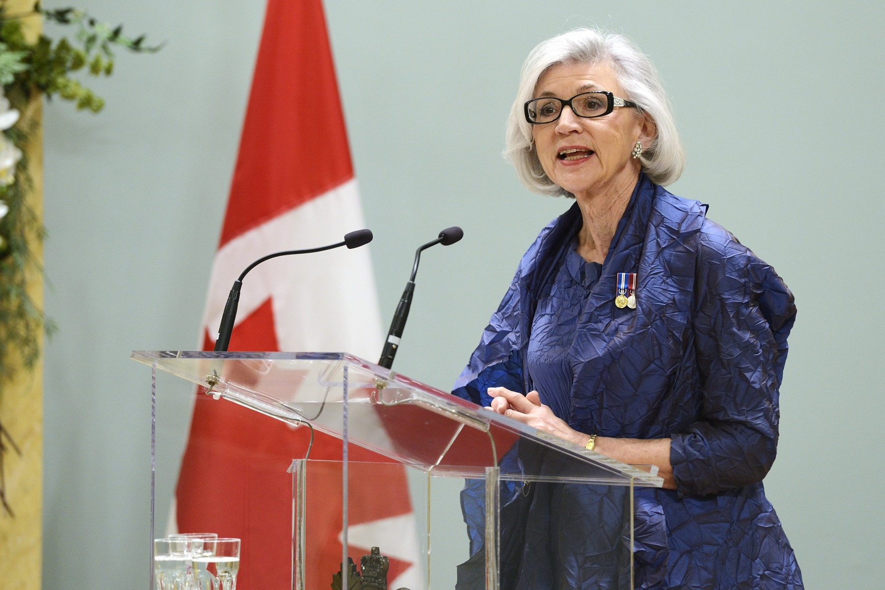 While Their Excellencies were participating in Her Majesty The Queen's 90th anniversary celebrations in London, England, The Right Honourable Beverley McLachlin, Deputy Governor General and Chief Justice of Canada, will present the 2016 Governor General's Performing Arts Awards (GGPAA) at Rideau Hall.