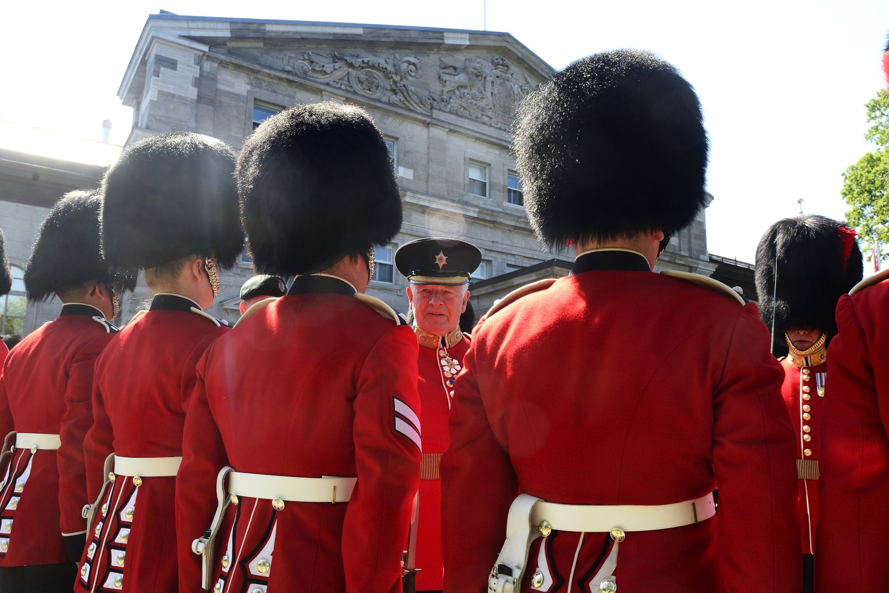 During the inspection, His Excellency stopped and said a few words to some members of the Ceremonial Guard.