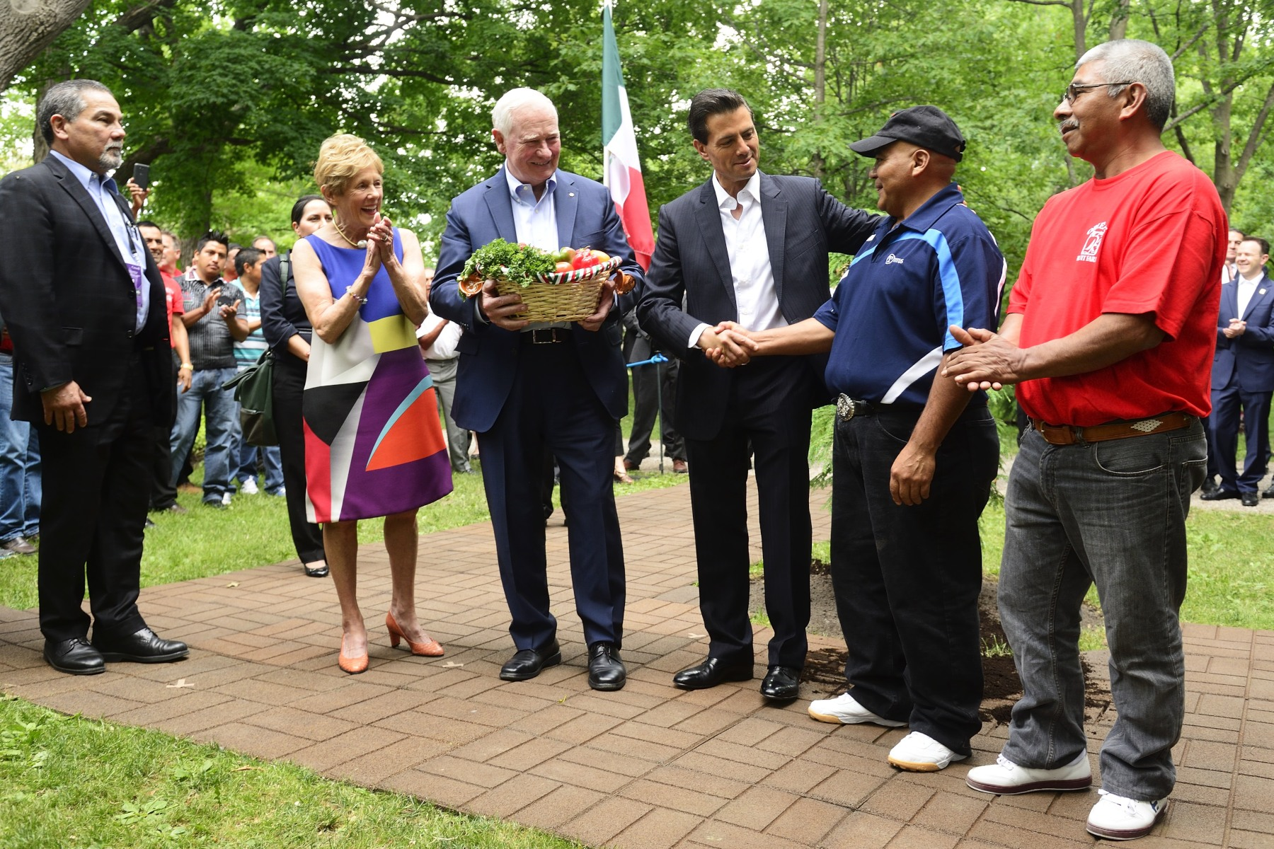 Following the planting ceremony, the President met with mexican seasonal workers currently working in Canada.