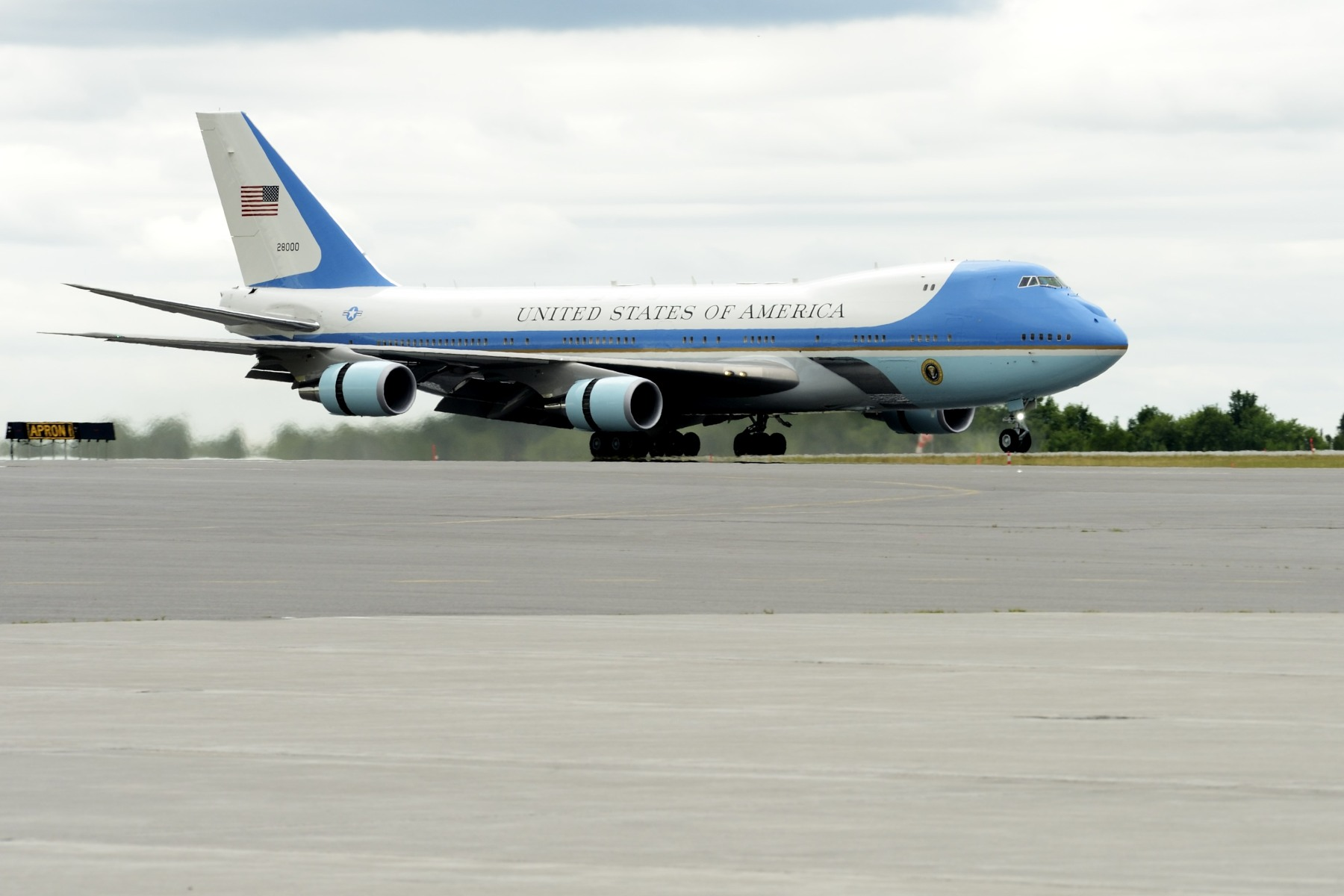 Landing of Air Force 1, the President of the United States' aircraft, at Ottawa International Airport.