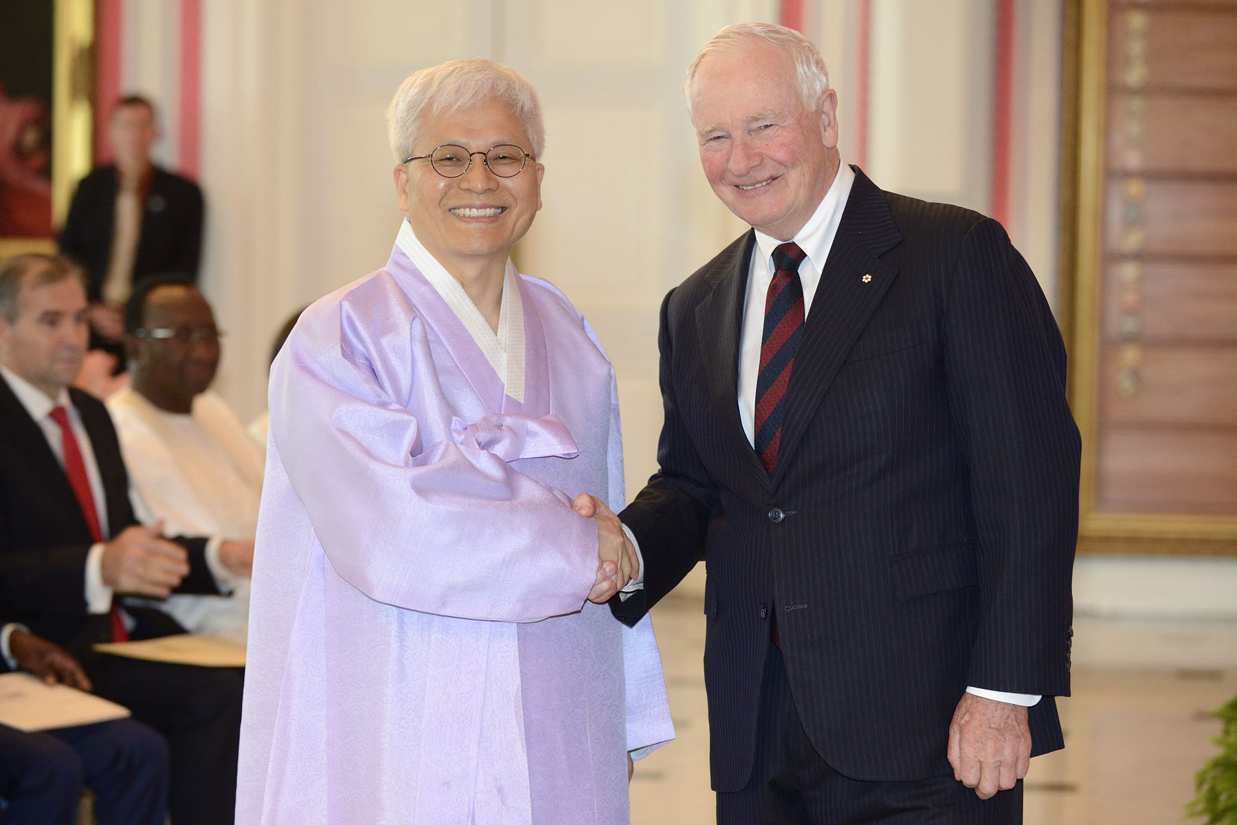 The Governor General received the letters of credence of six new heads of mission during a ceremony at Rideau Hall. His Excellency Jo Dae-shik, Ambassador of the Republic of Korea, was first to present his letters.