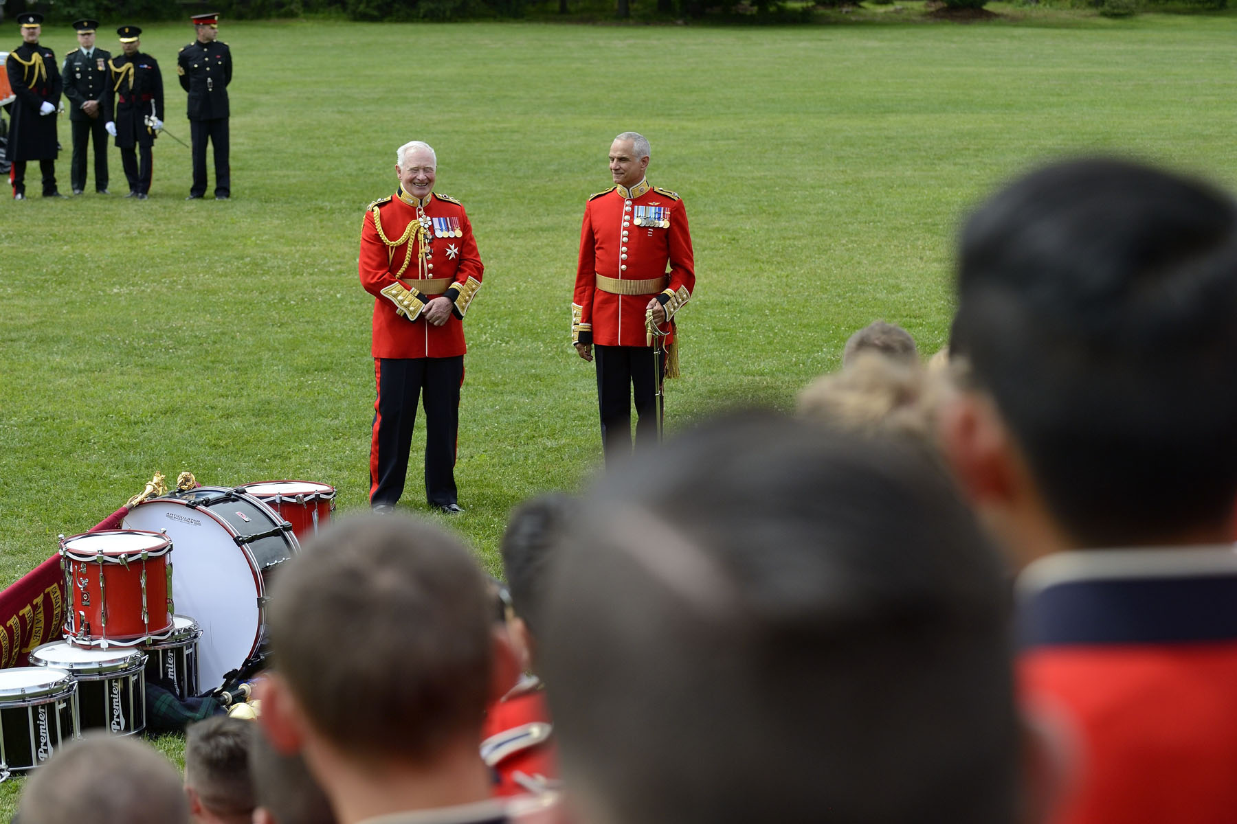 As a gift, His Excellency was given a snare drum used by the Ceremonial Guard.