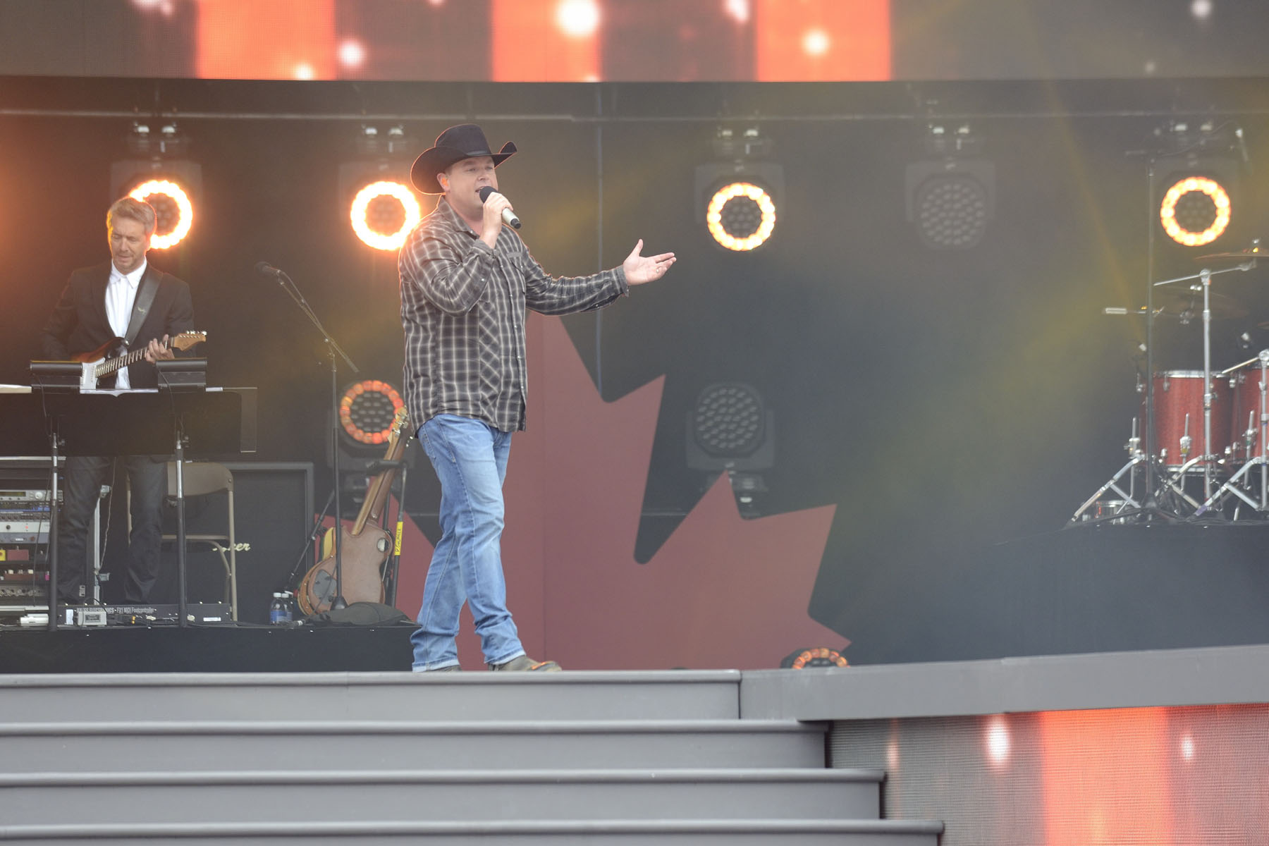 Mr. Gord Bamford performed on stage.