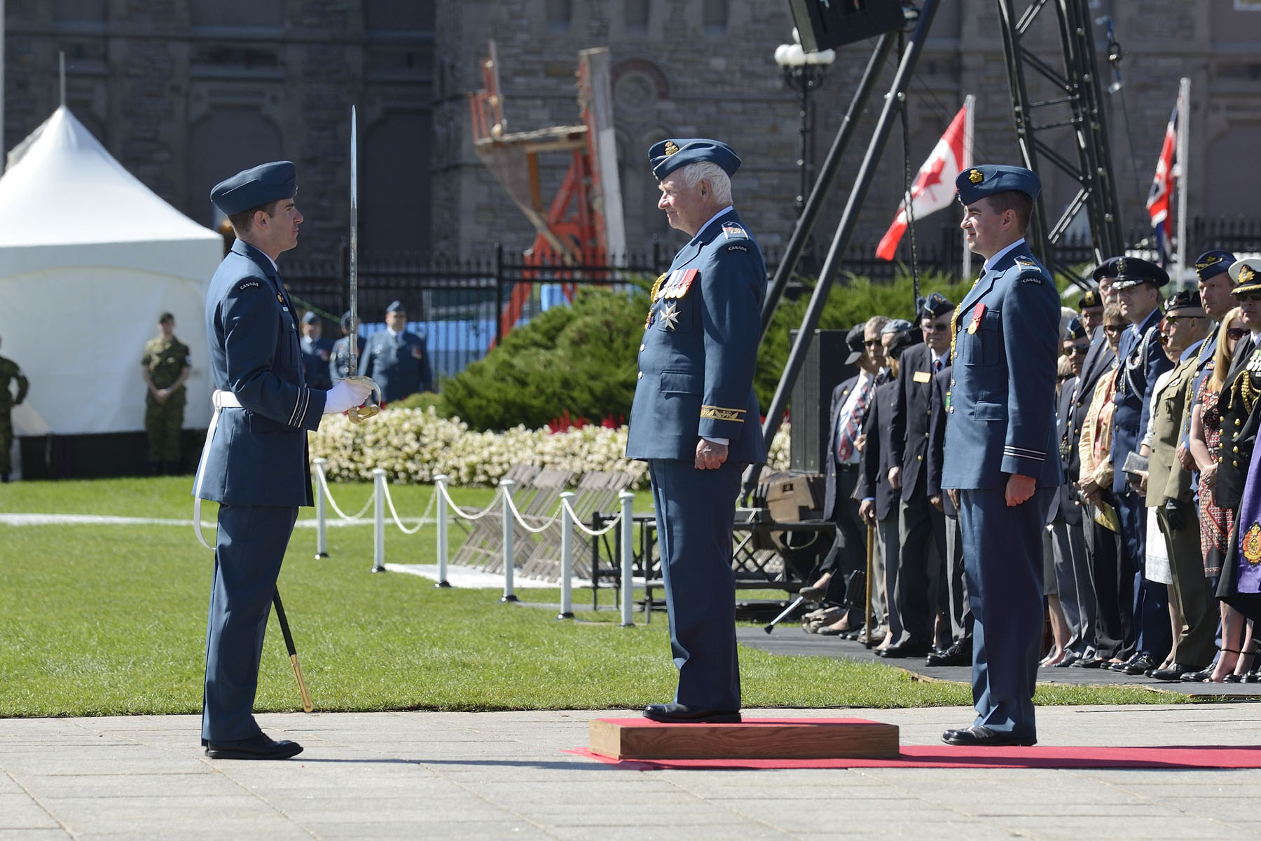 His Excellency the Right Honourable David Johnston, Governor General and Commander-in-Chief of Canada, took part in the national ceremony marking the 75th anniversary of the Battle of Britain on September 20, 2015, on Parliament Hill.