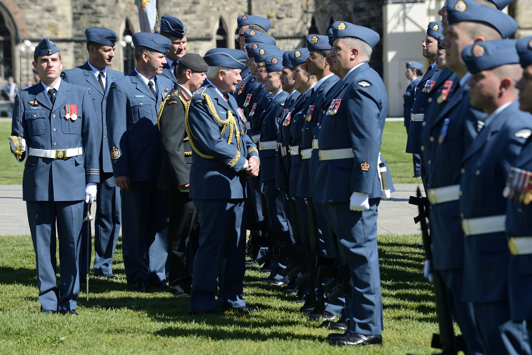 He also inspected members of the Royal Canadian Air force.