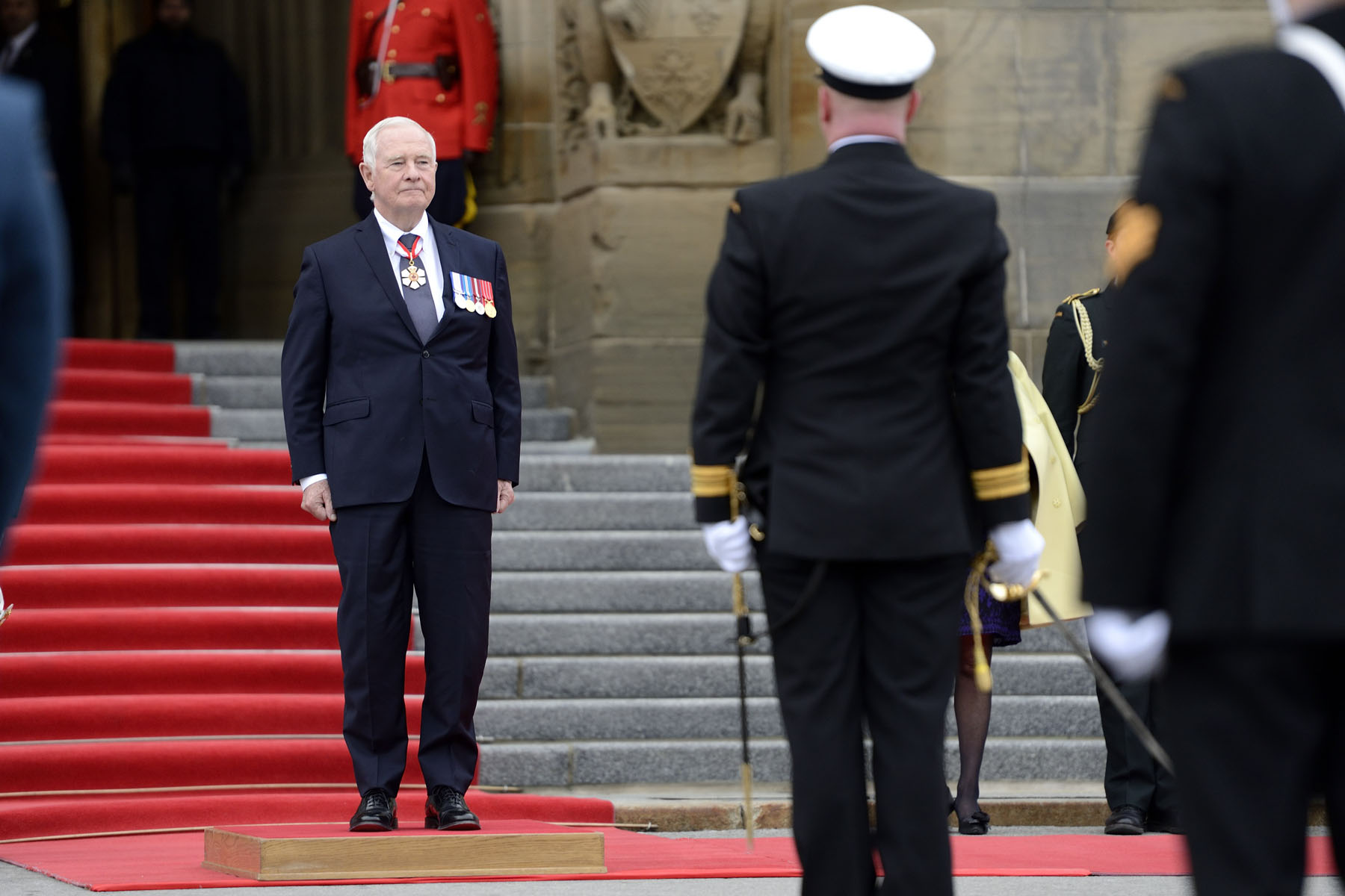 His Excellency the Right Honourable David Johnston, Governor General of Canada, delivered the Speech from the Throne to open the first session of the 42nd Parliament of Canada on December 4, 2015. Upon his arrival on Parliament Hill, in Ottawa, he received the Royal salute.